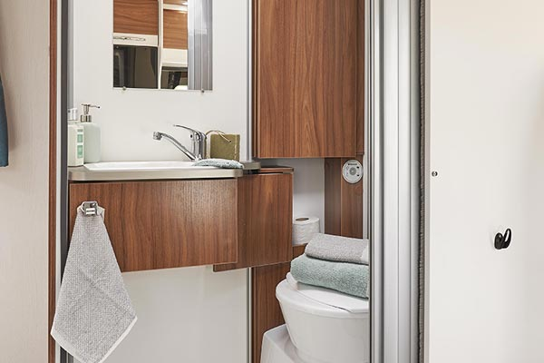 P650C Bathroom
